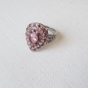 Jewelry - GORGEOUS ENGAGEMENT RING NEW size 7